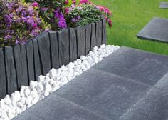 Une bordure de jardin en galets