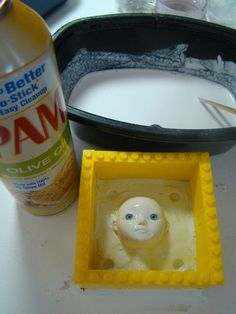 Marina's Art Dolls: Mold making using Lego blocks to create the walls of the mold. She casts porcelain pieces, but this could be used for silicone or polymer. Bjd, Doll Making Tutorials, Craft Tutorials, Diy Arts And Crafts, Clay Crafts, Art Doll Tutorial, Beton Diy, Stencil, Pottery Tools
