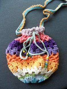 made by Zaanse Zolder  I used the rainbow purse pattern - Vendula Maderska