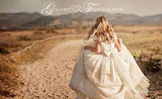 fotos de comunion niña - Google Bilaketa Girl Photo Shoots, Girl Photos, Poses, Julia, First Communion, Little Princess, Photo Book, Flower Girl Dresses, Portrait