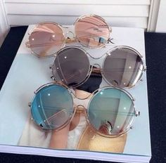 Discovered by ✰✰✰JEWELSY✰✰✰. Find images and videos about sunglasses, fashion and style on We Heart It - the app to get lost in what you love. Cute Sunglasses, Round Sunglasses, Sunglasses Women, Jewelry Accessories, Fashion Accessories, Fashion Jewelry, Glasses Trends, Lunette Style, Cool Glasses