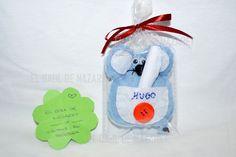 Nuevo ratón guardadientes encargado, personalizado con el nombre. Espero que os guste, si queréis uno, pasaros por mi pagina.  www.facebook.com/lasideasdenaza  gracias!! :D