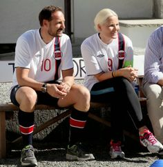 Queen  Princesses - Prince Haakon, Crown Princess Mette Marit and the children participated in a friendly football match that took place at the stage of Skaugum.
