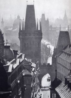 Karel Plicka, Bridge Street, from 'Prague in Pictures Prague Architecture, Dark City, Prague Czech Republic, Medieval World, World Cities, Photomontage, Old Pictures, Black And White Photography, Fictional World