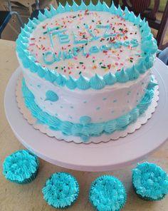 Bizcocho de Cumpleaños y Cupcakes