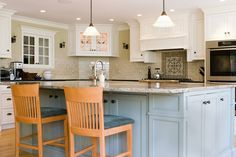 See our gallery of kitchens with large and small Islands. From beautiful to bold, see design Ideas for your home and build the kitchen of your dreams.