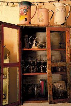 Old Kitchen Cupboard | Ou Kombuisrak