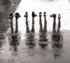 668px-Shoes Shadows.jpg (77 KB)