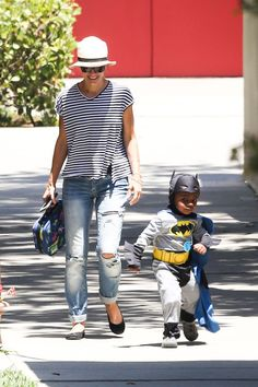 I like blue stripe tops with casual jeans plus nice hat! Want some ripped boyfriend jeans like this.