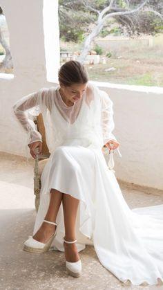 Most Beautiful Wedding Dresses, Wedding Dress Styles, Dream Wedding Dresses, Wedding Bridesmaids, Bridesmaid Dresses, Victoria Wedding, Little White Dresses, Wedding Looks, Bridal Gowns