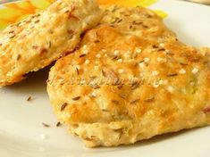 Chlebové zelné placky Bread And Pastries, Cauliflower, Dairy, Cheese, Meat, Chicken, Vegetables, Food, Recipes