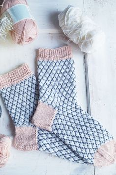 Knitting Patterns Socks This tutorial includes a layer-by-layer instruction that everyone dares to try on socks .