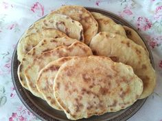 Naan, Vegan Foods, Vegan Recipes, Biscuits, Pancakes, Tasty, Breakfast, Desserts, Cooking Recipes