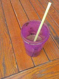 #buzzgerlinea Gerlinea Shake de ciocolata este preferatul meu din aceasta campanie, pentru ca sunt o mare iubitoare de ciocolata. Este delicios, hranitor si am inlocuit fara greutate micul dejun. Acest shake este bogat in proteine care contribuie la mentinerea masei musculare, are 10 vitamine si 9 minerale. Recomand. Este foarte usor de preparat: se toarna 200 ml lapte degresat in shaker si se adauga continutul plicului. Se agita 30 de minute si gata, numai bun pentru baut.
