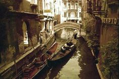 Venice of all days is even more fascinating, seductive, wonderful and makes you fall in love with her, that tourist! Much, Much More !!!