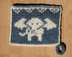Ravelry: Doubleknit Potholder Elephant # 1 pattern by Susi Sunshine Double Knitting, Baby Knitting, Knit Dishcloth, Elephant Design, Crochet Projects, Pot Holders, Free Pattern, Knitting Patterns, Old Things