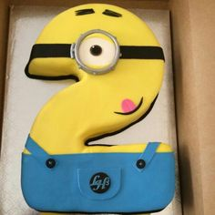 Number 2 Minion Cake by @dreamcakesnola