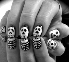 Halloween nails. Cuuuute!!