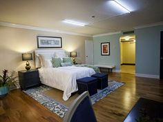 Tiffany Brooks' winning hotel suite makeover. This inviting bedroom features sea-inspired hues and a calming palette. (http://www.hgtv.com/hgtv-star/hgtv-star-season-8-photo-highlights-from-episode-7/pictures/page-14.html?soc=Pinterest)