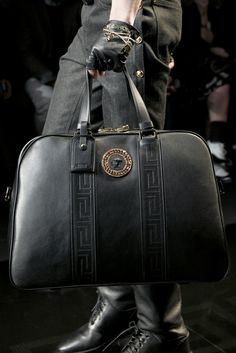What I buy if I hit the lottery. Black Leather Weekend Bag - By Versace What I buy if I hit the lottery. Black Leather Weekend Bag - By Versace Best Handbags, Cheap Handbags, Gucci Handbags, Purses And Handbags, Designer Handbags, Cheap Purses, Wholesale Handbags, Men's Grooming, Old School Style