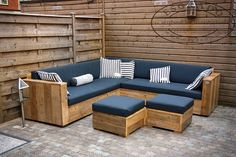 45 Cool DIY Outdoor Couch Ideas to Enjoy Your Relax Moment Outside The House Sohva Garden Furniture Design, Wood Patio Furniture, Outdoor Furniture Plans, Couch Furniture, Outdoor Sofa, Furniture Ideas, Antique Furniture, Outdoor Pallet, Furniture Layout