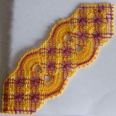 Les marque-pages de Gibritte - Dentelles et créations de Gibritte Bobbin Lacemaking, Bobbin Lace Patterns, Crochet Earrings, Creations, Inspiration, Gifts, Albums, Beading, Photos