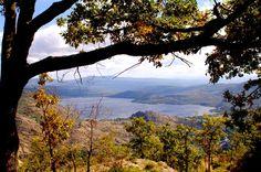 Conocer la naturaleza de Zamora es sentir, explorar y vivir unos días en su #lago #de #sanabria. Tranquilidad en un entorno natural para disfrutar todo el año.