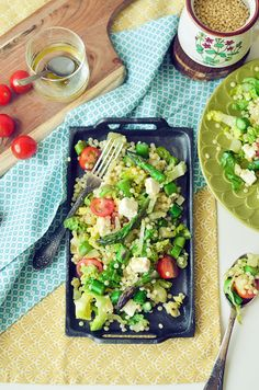 Pearl couscous salad with fried asparagus and fennel