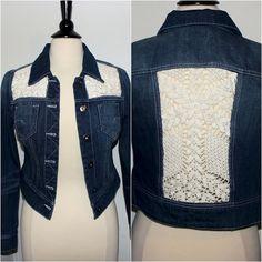 Upcycled Jean Jacke mit Crochet Lace fügt von theeKissOfLife