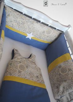 tour de lit et gigoteuse 0 6 mois bleu marine jaune gris blanc motif toile couture b b. Black Bedroom Furniture Sets. Home Design Ideas