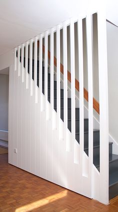 Best A Removable Stairway Wall And Railing Makes Moving 400 x 300