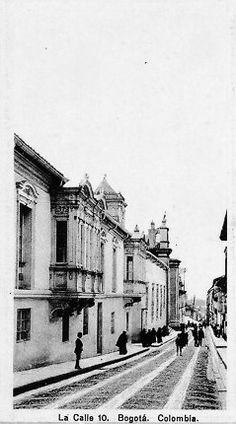 Calle 10 de Bogotá en los años 20s Photo Art, Street View, Vintage, Google, Gift, Historical Photos, Antique Photos, Street, Cities