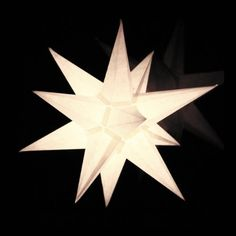 Xmas, Christmas Ornaments, Craft Projects, Table Lamp, Paper, Crafts, Home Decor, Christmas Stars, Fingernail Designs