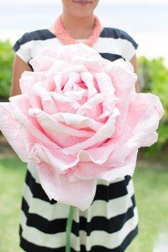 Giant paper flower for bridesmaids. Love this unique wedding idea!