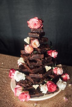 The Effective Pictures We Offer You About chocolate wedding cake recipe A quality picture can tell you many things. You can find the most beautiful pictures that can be presented to you about chocolat Brownie Wedding Cakes, Doughnut Wedding Cake, Fall Wedding Cakes, Unique Wedding Cakes, Wedding Cake Designs, Wedding Desserts, Wedding Cupcakes, Chocolate Wedding Cakes, Cake Bars