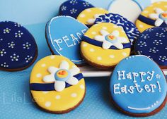 Beautiful blue and yellow Easter cookies from @LilaLoa