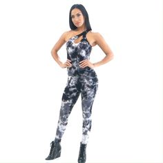 More Tie Dye, less problems! Workout Jumpsuit, Wear Test, Fitted Jumpsuit, Modeling Tips, Jumpsuit Pattern, Sporty Style, Active Wear For Women, One Piece Swimsuit, Perfect Fit