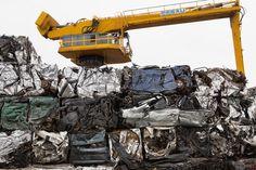#Voitures compressées sur site #Paprec #VHU #recycling  http://www.paprec.com/fr/comprendre-recyclage-paprec/valorisation-matiere/recyclage-automobile