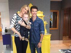 Rodrigo Faro invade intimidade de Ana Hickmann na estreia de Deu a Louca no Faro  http://r7.com/RZfY