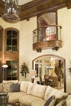 Small room off side of dining room and library like this small balcony alcove. Small room off side o Balcony Curtains, Balcony Doors, Bedroom Balcony, Style At Home, Interior Balcony, Indoor Balcony, Juliet Balcony, Tuscan Design, Traditional House