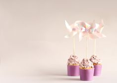 ~~Windmill ~~ Blueberry And White Chocolate Cupcakes