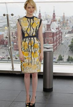 Emma Stone in Lanvin dress and Brian Atwood heels, July 2012 Yellow Fashion, Red Carpet Fashion, Lanvin, Emma Stone Style, Actress Emma Stone, Star Fashion, Womens Fashion, Glamour, Brian Atwood