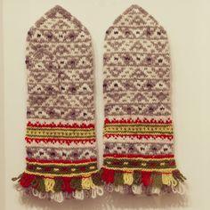 Latvian handmade hand knitted ethnographic mittens 100% wool Tines pattern S M #Tnes #WinterGloves