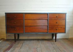 MCM dresser/sideboard. I like this, and want something along these lines in the bedroom.