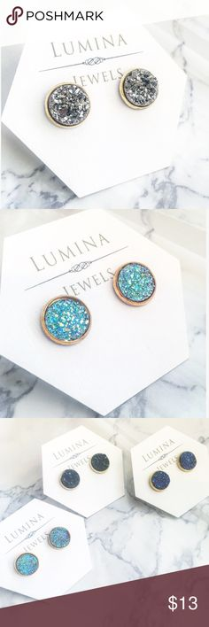 Druzy Quartz inspired round stud earrings These Druzy inspired earrings are a must have! They go with everything. Handmade and brand new! Available in black, gunmetal gray, blue, and aqua. Jewelry Earrings