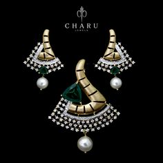 #Designer #jewelery #Diamond #pendent #set #fusion #pearl #gold #party #collection #traditional #Indian #jewellery