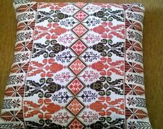 Palestinian Cross Stitch Designs, Cross Stitch Patterns, Palestinian Embroidery, Cushions, Pillows, Needlework, Diy And Crafts, Sewing Patterns, Projects To Try