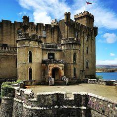 "Scotland, U.K. (@scotland_insta) on Instagram: ""Thanks for photo @carillon14 - Dunvegan Castle, Skye, Scotland #dunvegan #dunvegancastle…"""