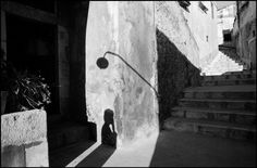 ferdinando scianna(1943- ), italy, sicily, fashion story with dutch model marpessa for dolce and gabbana. 1987 | http://www.magnumphotos.com/C.aspx?VP3=SearchDetail&VBID=24PVHK9JXXJJ5&PN=23571&IID=2TYRYDX43H25