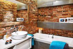 łazienka szara z drewnem i cegłą - Szukaj w Google